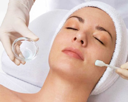 Anti-aging-specialised-facial